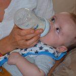 どうするよ。赤ちゃんの外出のときの授乳ってどうするのが正解?